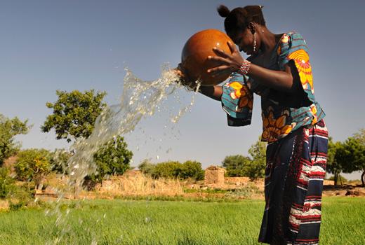 10000 ORTI PER L'AFRICA. IL PROGETTO SLOW FOOD PER GLI ORTI COMUNITARI E UN PERCORSO DI FORMAZIONE PER I GIOVANI AFRICANI